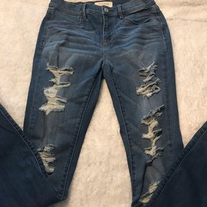 PacSun Jeggings sz 27 with lots of distressing GUC
